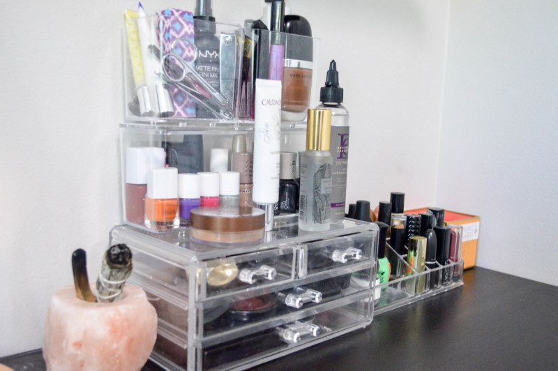 How to Create the Perfect Makeup Vanity